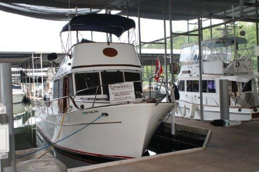 1980 Marine Trader 34 Double Cabin