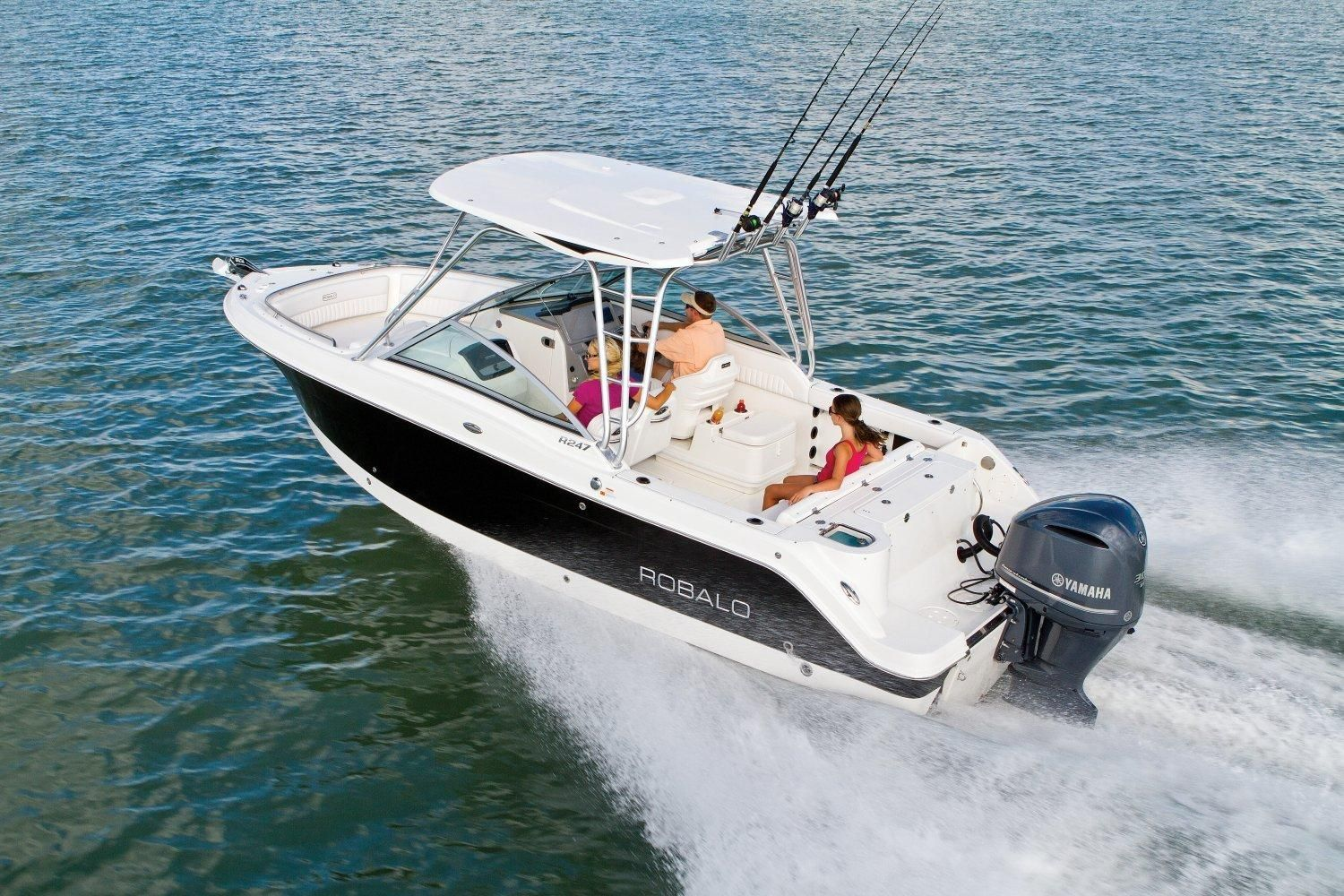 2017 robalo r247 dual console 2017 power boat for sale for Robalo fish in english