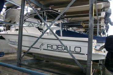 1995 Robalo 2660 Cuddy Cabin