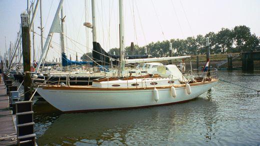 1970 Sparkman & Stephens Pipe Dream 37 Cruising Sloop