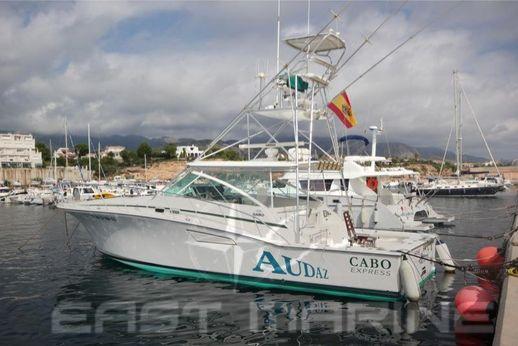 1999 Cabo Yachts express 45
