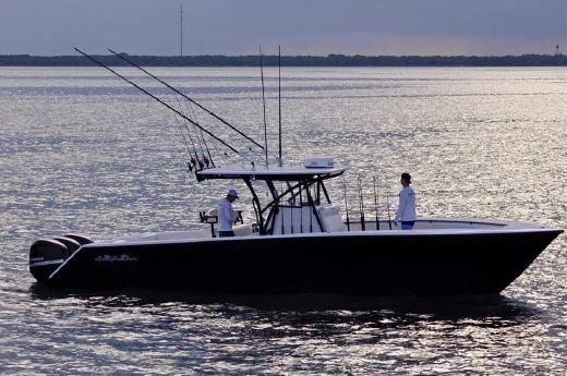 2005 Sea Hunter 35 Center Console