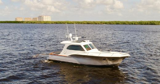 2014 Calyber 35 Sportfish Carolina Hemingway Edition