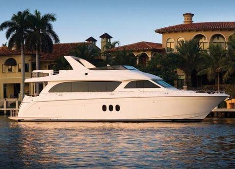 2010 Hatteras 72 Motor Yacht