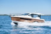 photo of 33' Sealine C330