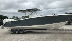 2019 Mako 334 CC Family Edition