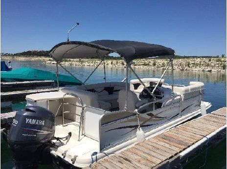 2009 Hurricane 216 RE Fundeck