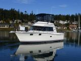 photo of 32' Carver 3227 Convertible