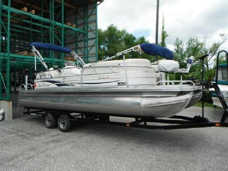 2009 Sun Tracker PARTY BARGE 24 Signature Series