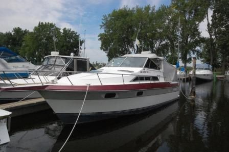 1988 Cruisers Yachts 2970 Esprit