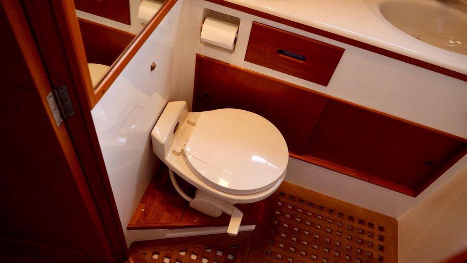 Stupendous 1992 Grand Banks 42 Classic Cruiser For Sale Yachtworld Machost Co Dining Chair Design Ideas Machostcouk