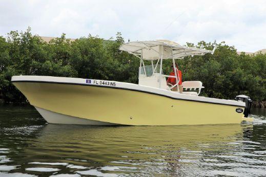 2008 Dusky Marine 233