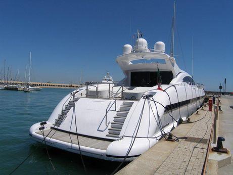 2004 Overmarine Mangusta 108