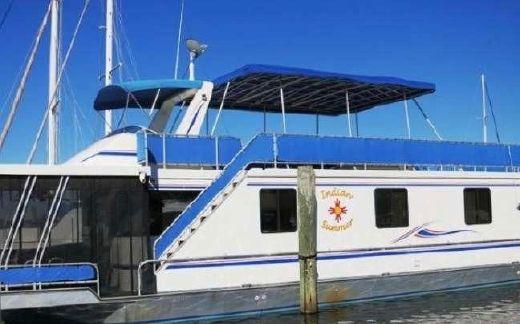 2003 Thoroughbred Custom Houseboat Cruiser