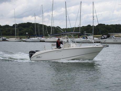 2008 Boston Whaler 240 Outrage