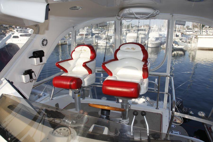 Sea Ray 480 Sedan Flybridge Helm Chairs