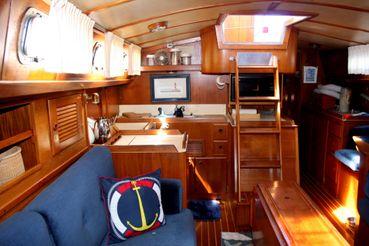 thumbnail photo 1: 1985 Pearson 422
