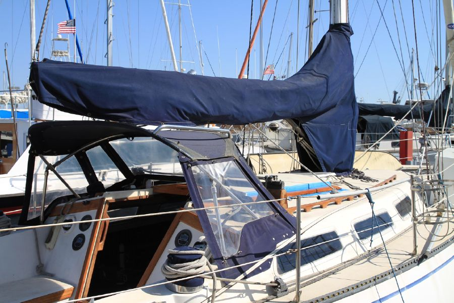 1979 38' CATALINA 38 SAILBOAT for sale in Long Beach California