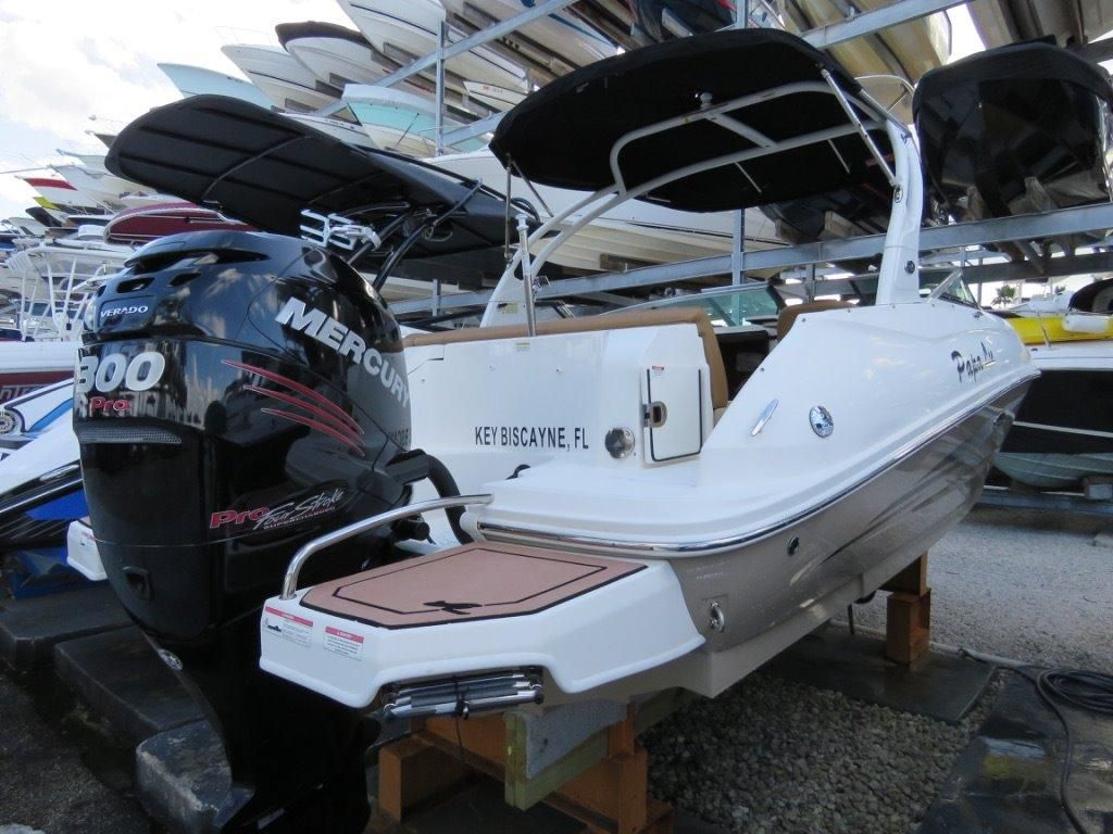 2014 sea ray 240 sundeck outboard power boat for sale for Outboard motor fuel consumption calculator