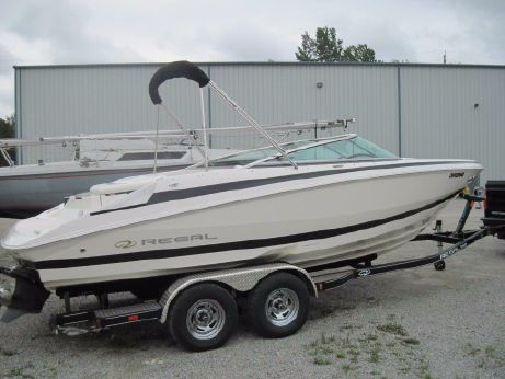 2007 Regal 2200 Bowrider