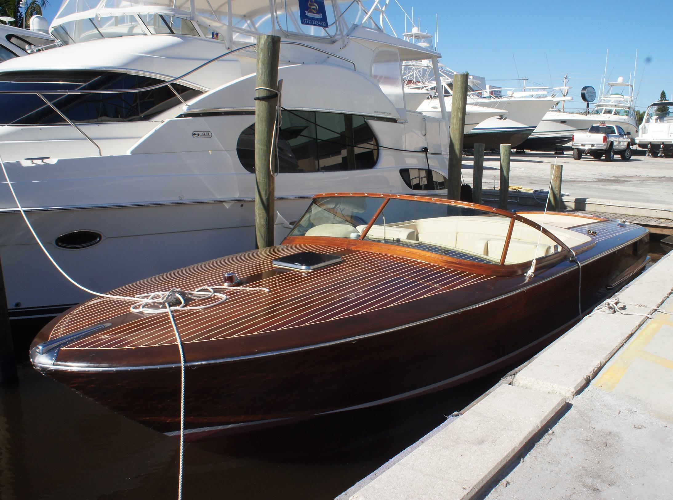 32 ft 2007 raponi custom