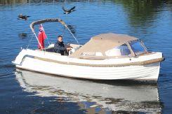 2019 Interboat Intender 700