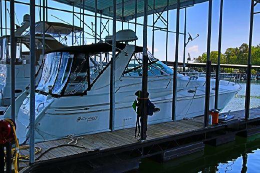 2002 Cruisers Yachts 3870 Express