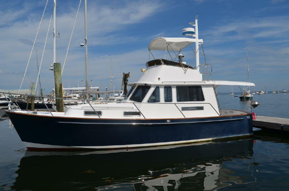 2004Legacy Boat 34 Flybridge Sedan Cruiser