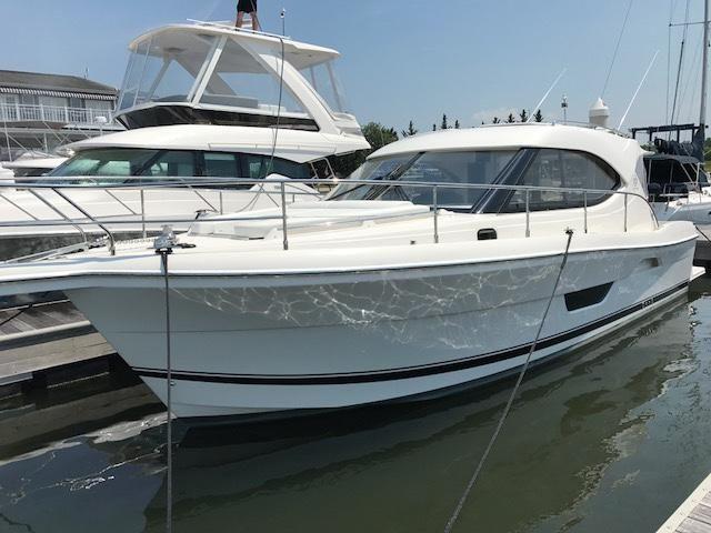 2017 riviera 3600 sport yacht series ii- in stock