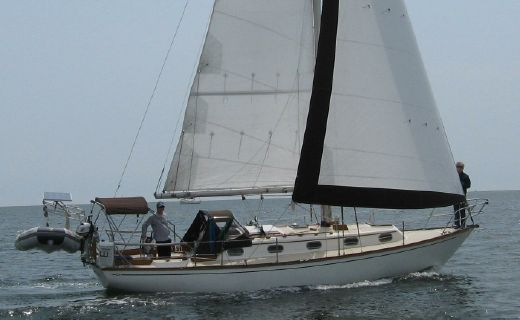 1984 Cape Dory 33