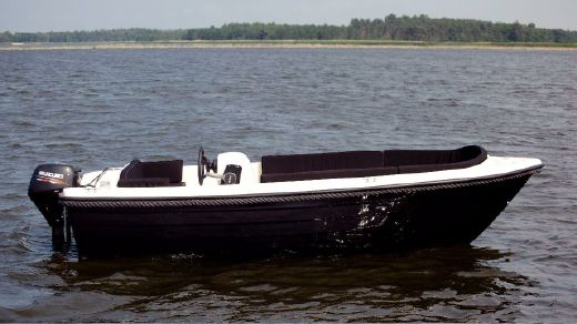 2017 Admiral 440