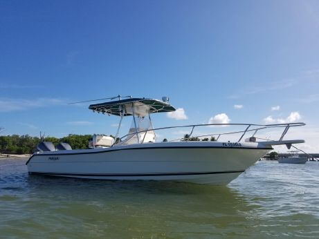 1997 Pursuit 2470 Center Console