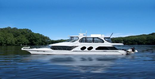 2001 Bluewater Yachts 5800