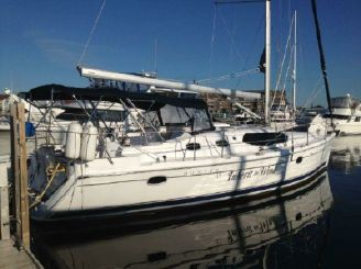 2009 Hunter 45 Deck Salon