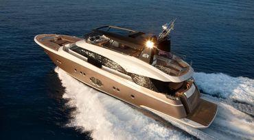 thumbnail photo 0: 2019 Monte Carlo Yachts MCY 86