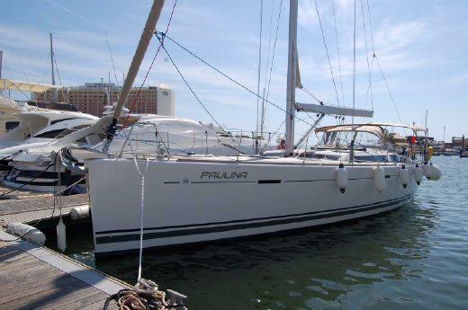 2009 Dufour 525