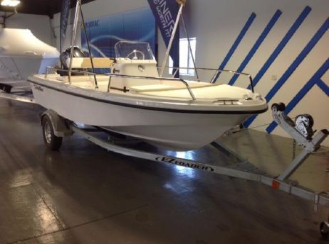 2016 Edge Water 158CS