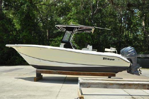 2004 Triton 2486 CC