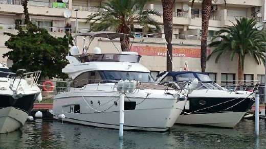 2013 Bavaria Motor Boats Virtess 420