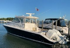 2017 Pursuit 355 Offshore