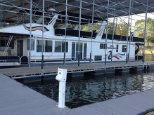 2000 Horizon Houseboat 72' Standard