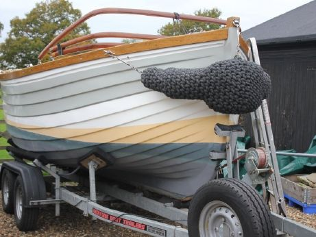 2004 Motor Launch Hastings Beach Boat