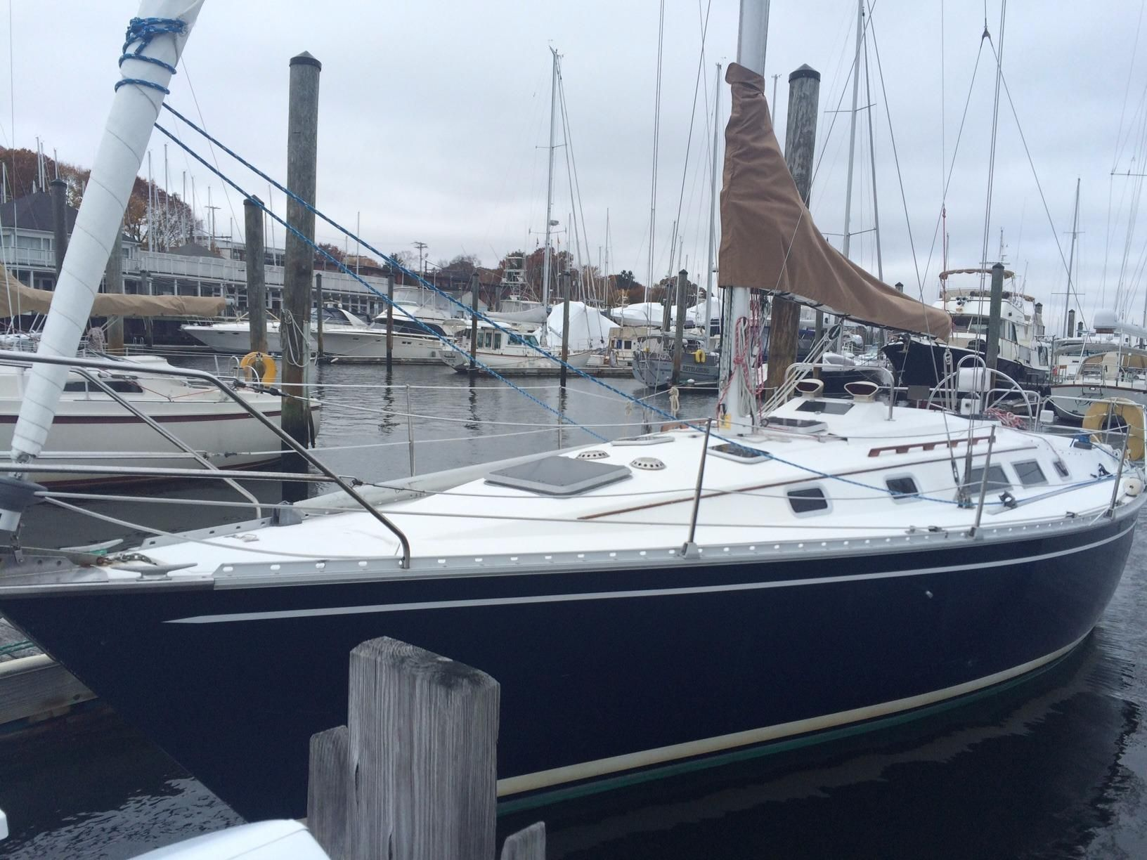 1983 Hunter 34 Sail Boat For Sale Www Yachtworld Com