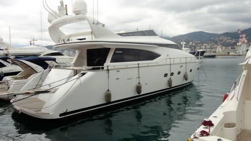 2009 Fipa Italiana Yachts Maiora 20s