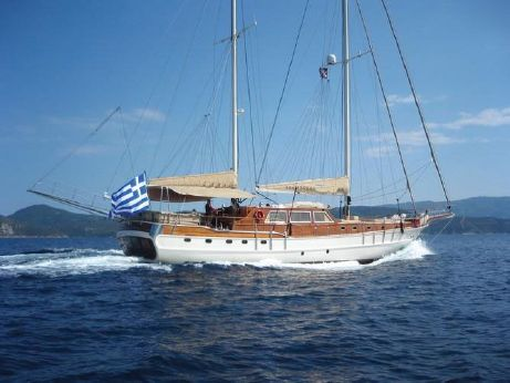 2006 Contemporary Motor Sailer