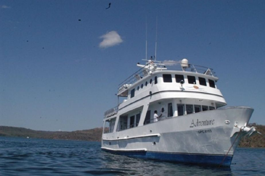 1982 custom yacht 85 dive expedtion