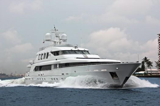 147 ft 2000 trident tri-deck motor yacht