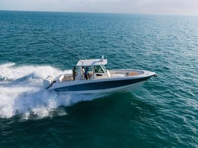 2017 Boston Whaler 370 Outrage