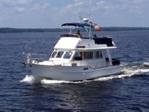 2000 Island Gypsy Europa Flybridge Sedan Trawler