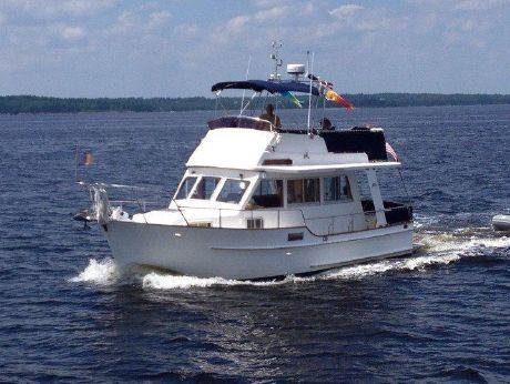 2000 Island Gypsy Europa Flybridge Sedan Trawler